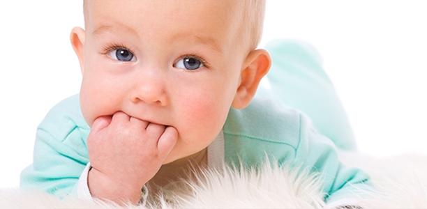 Πως να πλύνετε τα χέρια του μωρού σας