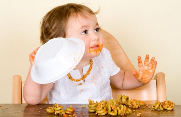 Κακοί τρόποι του παιδιού στο τραπέζι