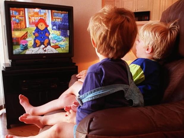 Η τηλεόραση μειώνει τον ύπνο των παιδιών