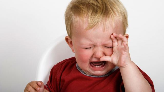 Είναι σωστό να αφήνω το παιδί μου να κλαίει μέχρι να σταματήσει;