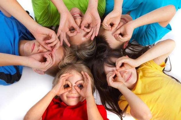 11 πράγματα που μας μαθαίνουν καθημερινά τα παιδιά μας.