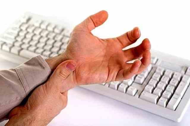 Τενοντίτιδα στο χέρι: Συμπτώματα και θεραπείες