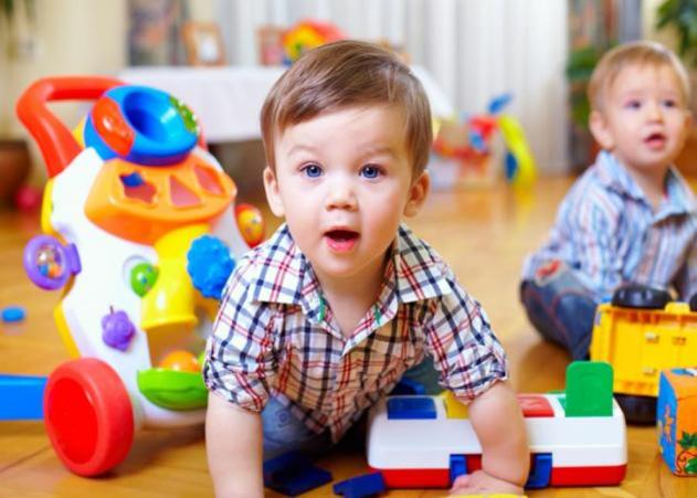 Είναι καλό να συμμετάσχουμε με το μωρό μου σε μια ομάδα παιχνιδιού;
